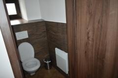 záchod-dole
